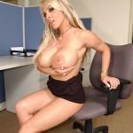Big Tit Porn Queen Holly Halston Sucks & Strokes Cock 07