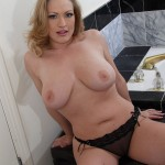 Squirting Blonde Babe Vicky Vixen Cums So Easily 07
